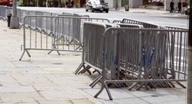 Crowd Control Barriers - TopFenceHire.com